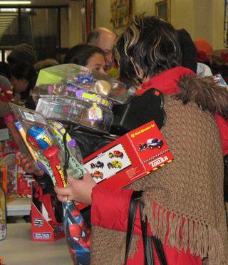 Gift Mart 2008 shopper