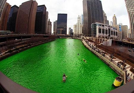 http://daveferguson.typepad.com/photos/uncategorized/2007/03/18/chicago_river_green.jpg